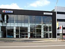 На левом берегу в Киеве открылся новый автосалон и сервис Suzuki