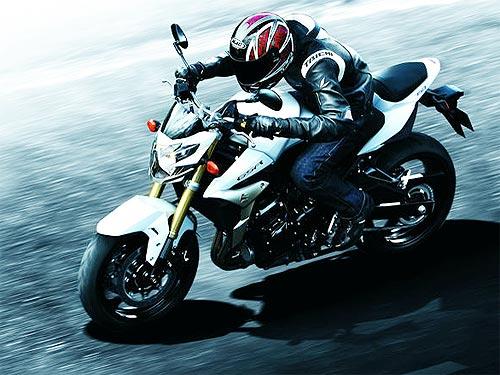 Suzuki распродает мотоциклы 2015 года со скидкой до 20% - Suzuki