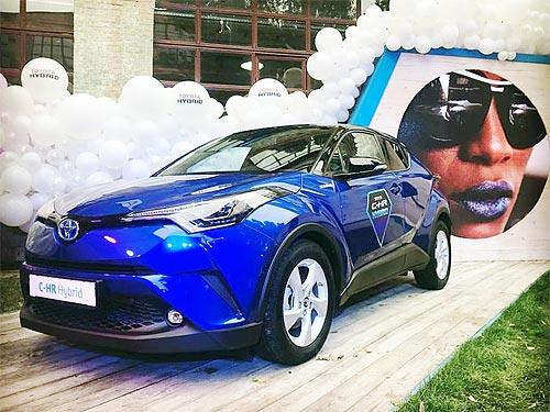 Toyota C-HR Hybrid стал лучшим в Украине в номинации «Компактный городской кроссовер» - Toyota