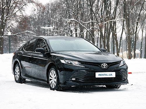 Новую Toyota Camry уже можно взять в аренду