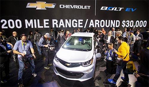 Chevrolet представила электромобиль с запасом хода более 300 км. Подробности - Chevrolet