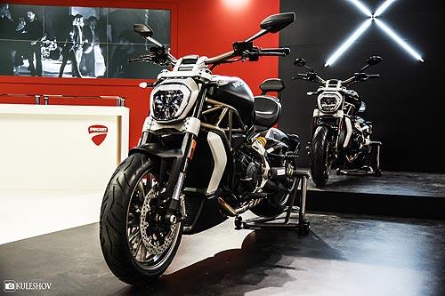 На выставке Мотобайк был презентован стильный круизер Ducati XDiavel. Фото - Ducati