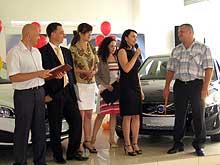 Во Львове вручили 2 автомобиля Volvo C30 победителям акции в сети «ОККО» - Volvo