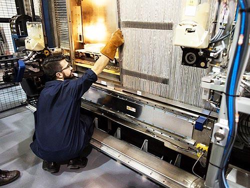 Ford начал печатать большие автомобильные детали на 3D-принтере - Ford