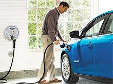 Nissan начнет официальные продажи электромобилей Leaf в России