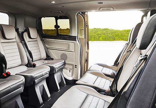 Ford представил новый микроавтобус Ford Tourneo Custom - Ford