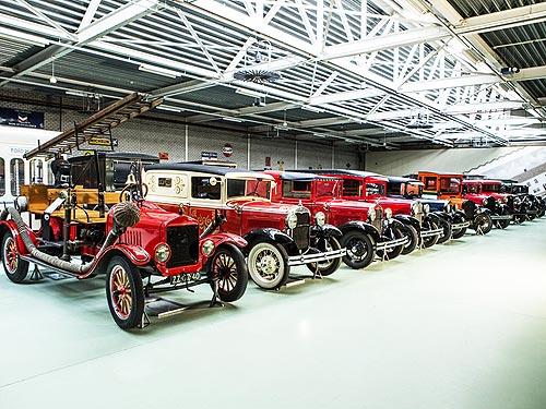С аукциона продана самая большая в мире частная коллекция классических Ford