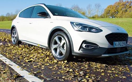 В Ford выяснили, что представляют большую опасность на дороге - снег или листья