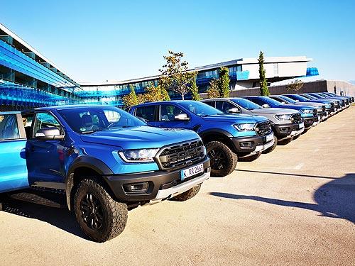 За счет чего Ford получил сразу две награды в конкурсах «Фургон года» и «Пикап года» - Ford