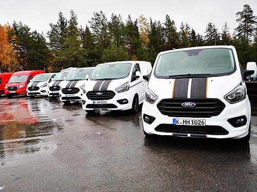 Как ездит и сколько экономит «Фургон Года 2020». Первое знакомство с Ford Hybrid Transit Custom