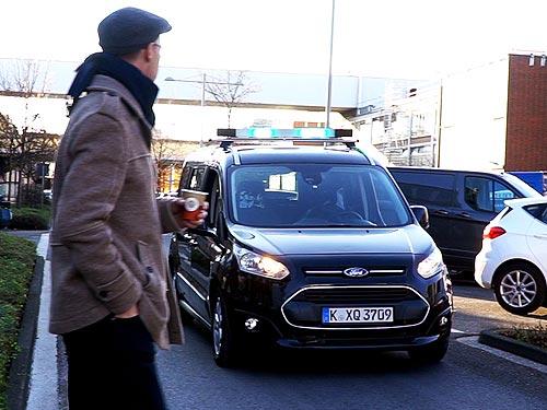 Как будут «общаться» беспилотные авто. Решение Ford