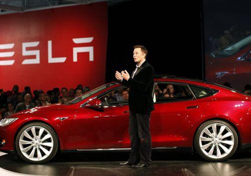 Даже глава Tesla иногда ностальгирует за автомобилями с ДВС - Tesla