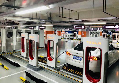 Tesla открыла суперзарядку на 100 авто - Tesla