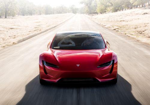 Tesla наносит сокрушительный удар по всем суперкарам мира