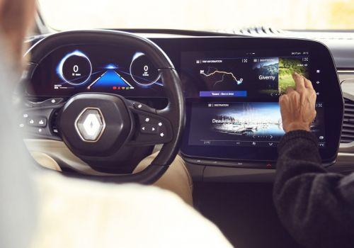 В Renault уже задумались чем занять пассажиров беспилотных авто в дороге - Renault
