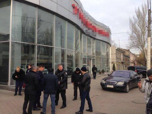 В Одессе совершено вооруженное нападение на автосалон