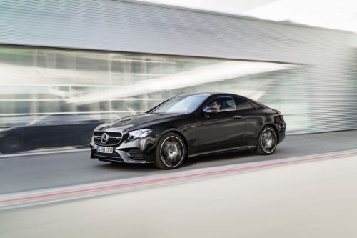 "Mercedes-Benz E-Class представили в версии ""заряженного"" гибрида - Mercedes-Benz"
