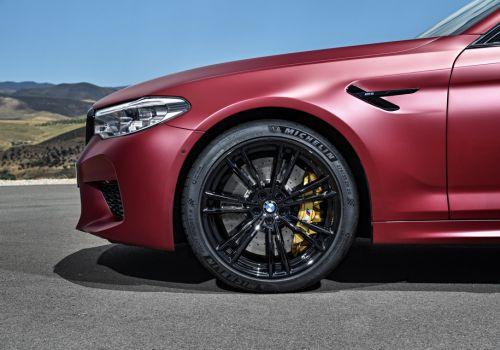 BMW готовит версию M5 с двигателем 625 л.с.