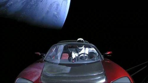 «Поехали!» Зачем Илон Маск запустил Tesla в космос? - Tesla