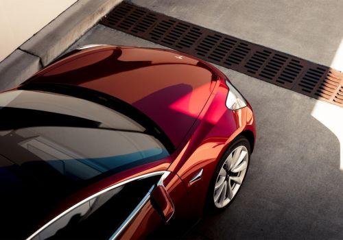 Tesla за год понесла убытки в $2,2 млрд, но ее спас космос - Tesla