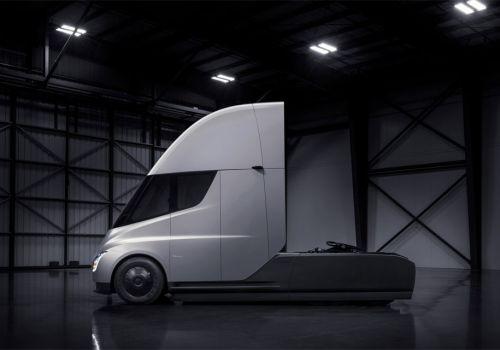Tesla анонсирует выпуск 100000 электро грузовиков в год - tesla
