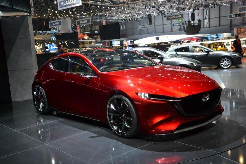 В женеве показали как будет выглядеть новая Mazda3. Фото - Mazda