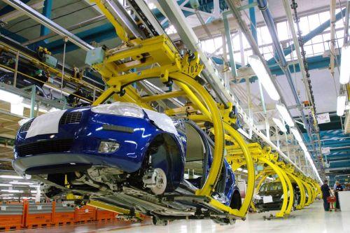 В Казахстане запретили госорганам покупать импортные автомобили