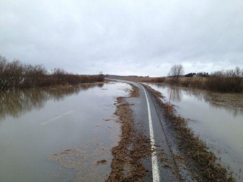 В Украине начало затапливать автотрассы