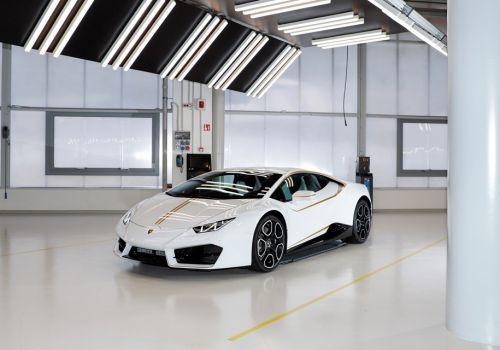 Lamborghini Huracan Папы Римского продали за рекордную сумму