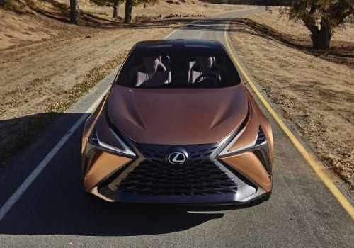 Топовый кроссовер от Lexus получит имя LQ