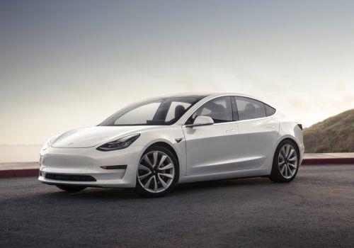 Tesla Model 3 назвали самым безопасным автомобилем