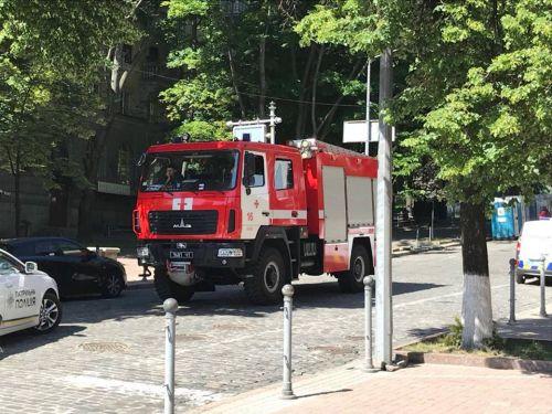 Финал Лиги Чемпионов в Киеве охраняли спасатели на МАЗах - МАЗ