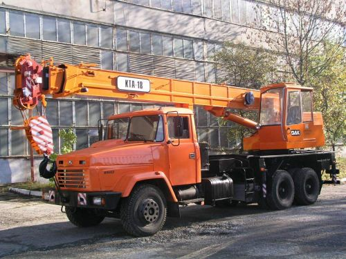 В Дрогобыче хотят возобновить производство автокранов - автокран