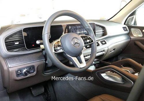 Mercedes-Benz рассекретил интерьер нового GLE