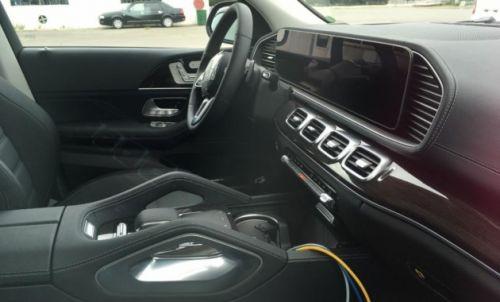 Интерьер нового Mercedes-Benz GLE будет цифровым