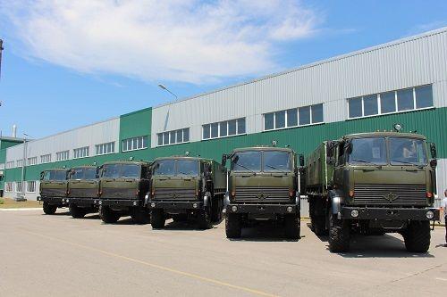 В августе Богдан передал в армию более 100 автомобилей