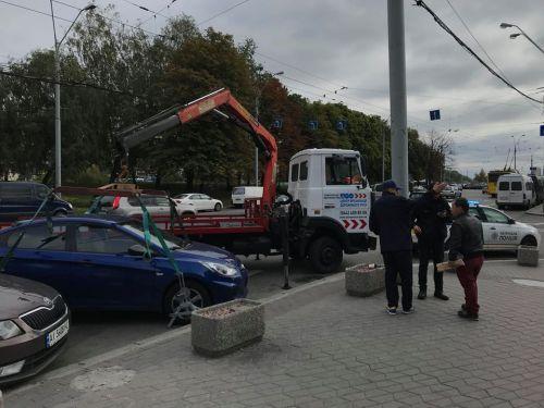 Из-за массовой эвакуации авто в Киеве переполнены штрафплощадки