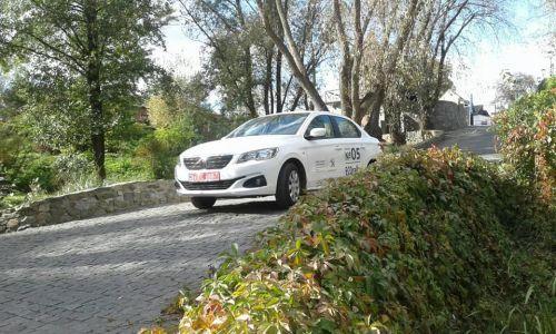 В Киеве сегодня ставят рекорды экономичности на автомобилях Peugeot