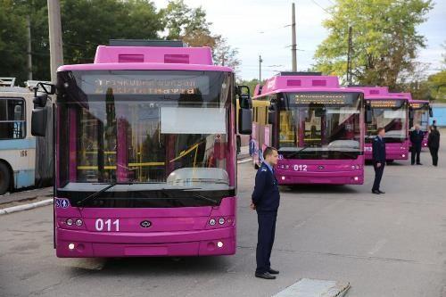 В Кременчуге на маршрут вышли еще 6 новых троллейбусов Богдан Т70117