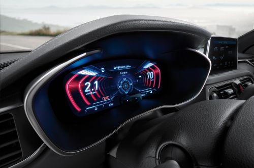 Genesis G70 получил трехмерную панель приборов