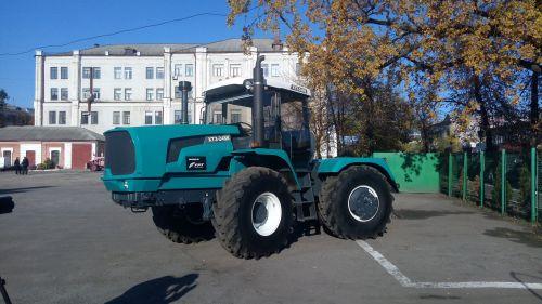 Россия ввела санкции против МХП, Нибулон, Кернел и ХТЗ