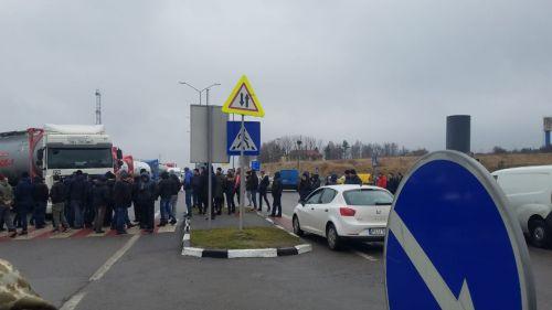«Евробляхеры» заблокировали 7 погранпереходов на западной границе