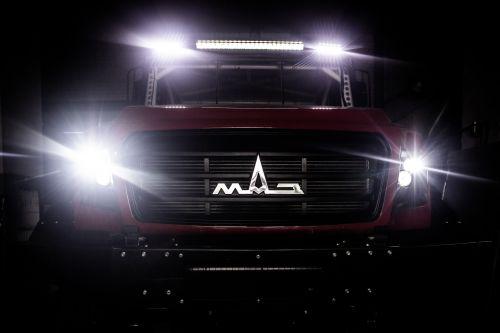 МАЗ подготовил первый экземпляр капотного грузовика для участия в «Дакаре»