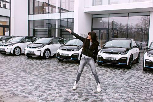 Певица Руслана выбрала электромобили BMW i3