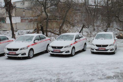 Семейные врачи в Волынской области будут ездить на Peugeot 301