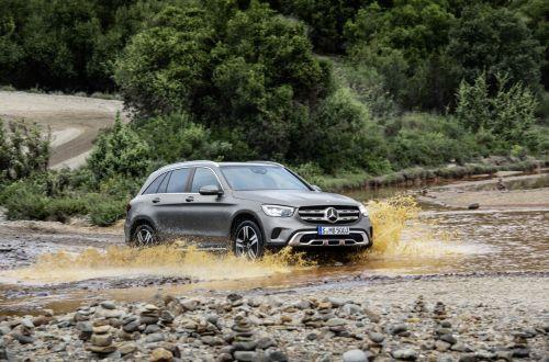 Mercedes-Benz рассекретил, что изменится в обновленном GLC