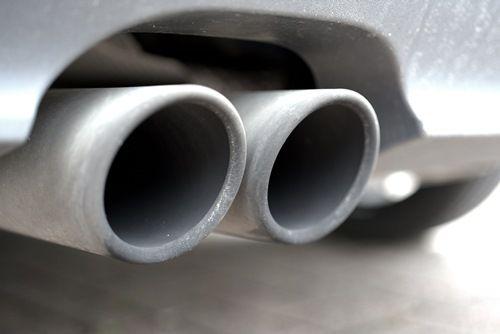 Власти Парижа уже с 01 июля запретят въезд старым дизельным автомобилям