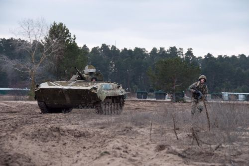 Украина получила из ЕС 50 единиц БМП