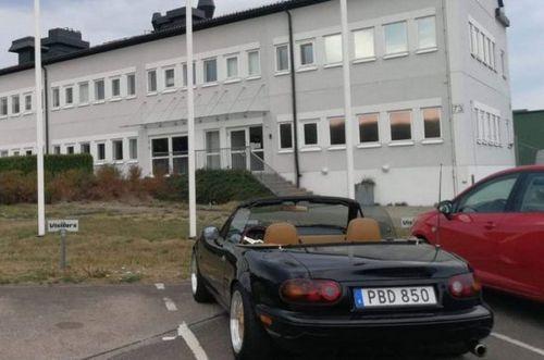 С чего начинался Koenigsegg: Глава компании выкупил автомобиль, на котором ездил 20 лет назад