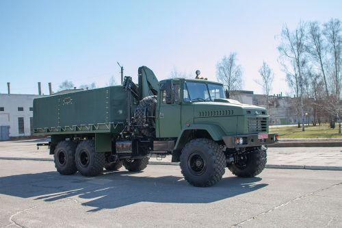 КрАЗ начал выпускать для ВСУ вездеходы с манипуляторами Palfinger